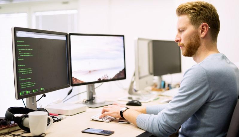 Plug-ins sind nützliche Programme, mit denen man Inhalte auf Webseiten pimpen kann. JavaScript dürfte jeder kennen. Manche Plug-ins sind für den Betrieb von Online-Shops und anderen Inhalten einfach notwendig oder wünschenswert. (#02)