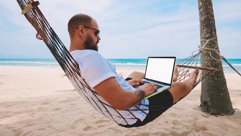 Bestechend einfach ist bei WordPress die Bedienung. Intuitive Gestaltungsmöglichkeiten und die selbsterklärende Handhabung des Texteditors, der nicht von ungefähr an das Textprogramm Word und seine Verwandten erinnert, ermöglichen die Erstellung, Bearbeitung und Veröffentlichung von Content in Windeseile.